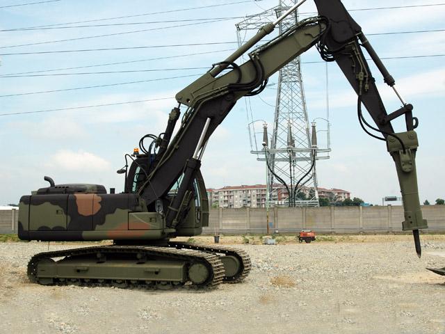 macchine del genio militare NH_multifunction_esercito_07